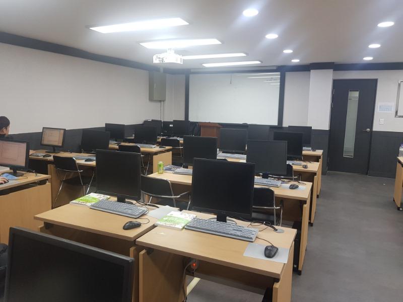 컴퓨터 제2강의실.jpg
